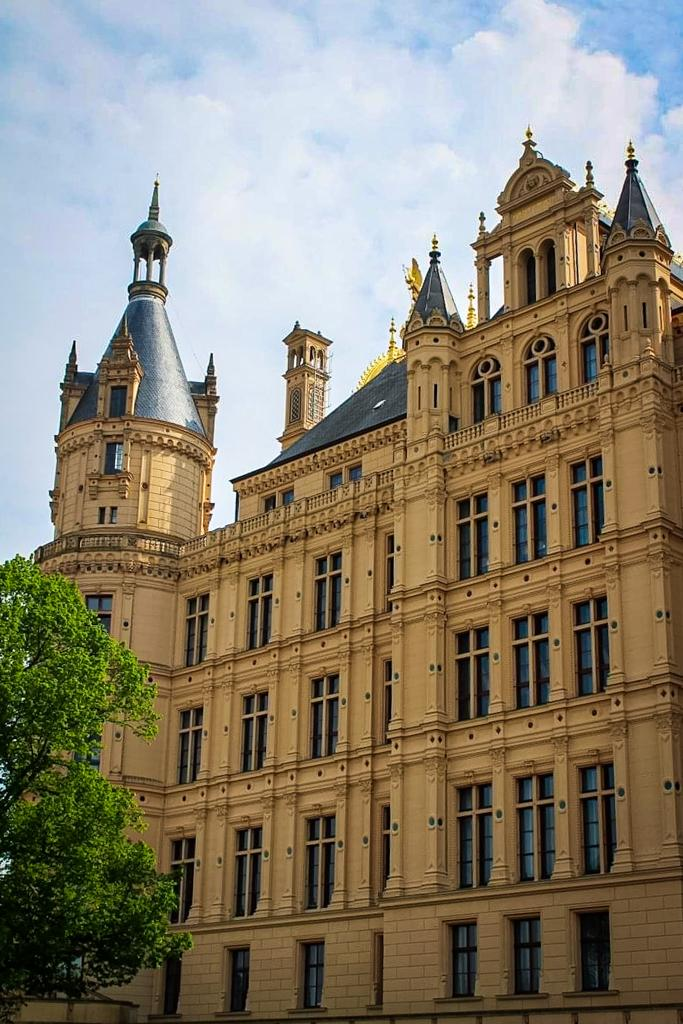 The exterior of Schwerin Castle was inpired by French Reniassance castles
